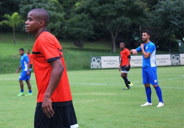 Atibaia e Bragantino voltam a empatar sem gols em jogo-treino